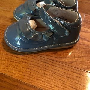Laniecakes Gray Patent Mary Jane Shoes, Sz 8, NWT
